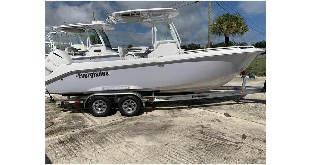 2020 EVERGLADES BOATS 235CC