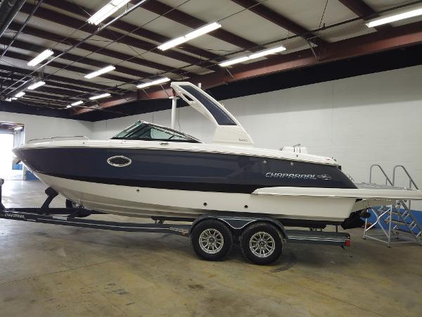 2021 Chaparral boat for sale, model of the boat is 267 SSX & Image # 3 of 13