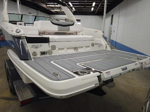 2021 Chaparral boat for sale, model of the boat is 267 SSX & Image # 4 of 13
