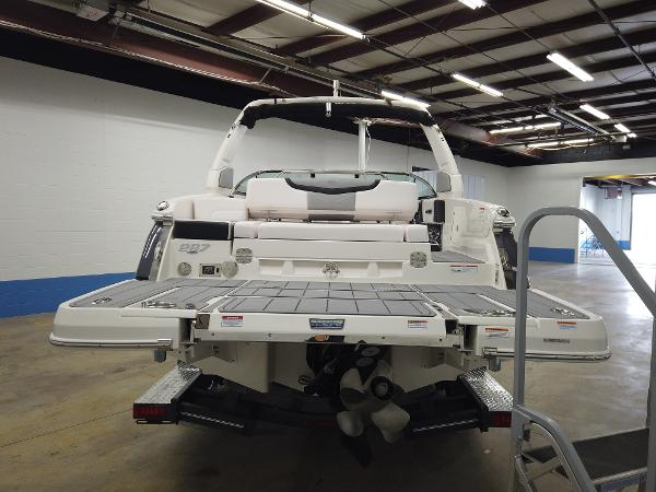2021 Chaparral boat for sale, model of the boat is 267 SSX & Image # 5 of 13