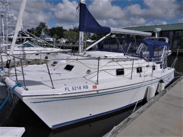 30' Endeavour Catamaran