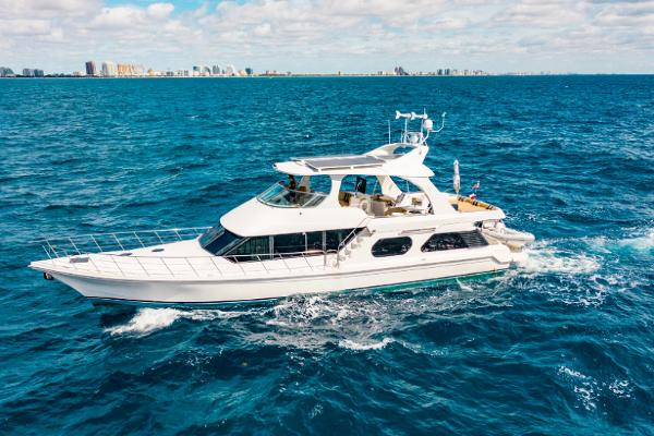 2009 BLUEWATER 65 Motor Yacht