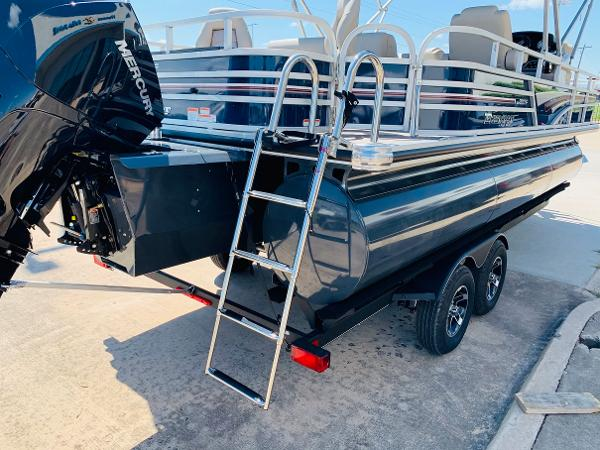 2021 Ranger Boats boat for sale, model of the boat is Reata 223F & Image # 8 of 38