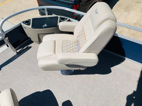 2021 Ranger Boats boat for sale, model of the boat is Reata 223F & Image # 14 of 38