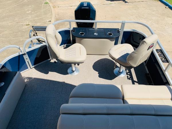 2021 Ranger Boats boat for sale, model of the boat is Reata 223F & Image # 32 of 38