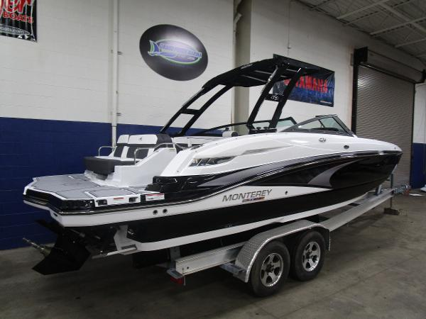 2021 Monterey boat for sale, model of the boat is M6 & Image # 4 of 47