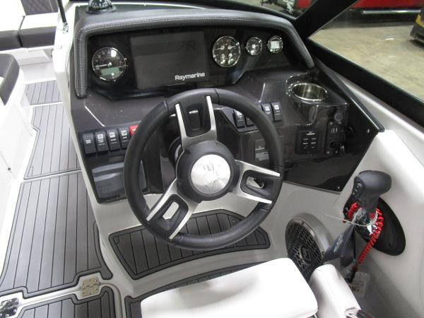2021 Monterey boat for sale, model of the boat is M6 & Image # 30 of 47
