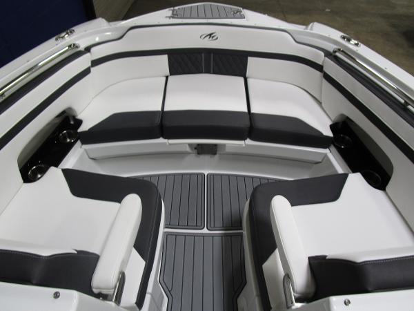 2021 Monterey boat for sale, model of the boat is M6 & Image # 36 of 47