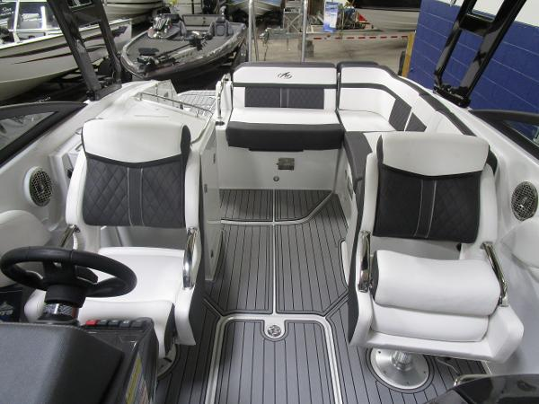 2021 Monterey boat for sale, model of the boat is M6 & Image # 45 of 47