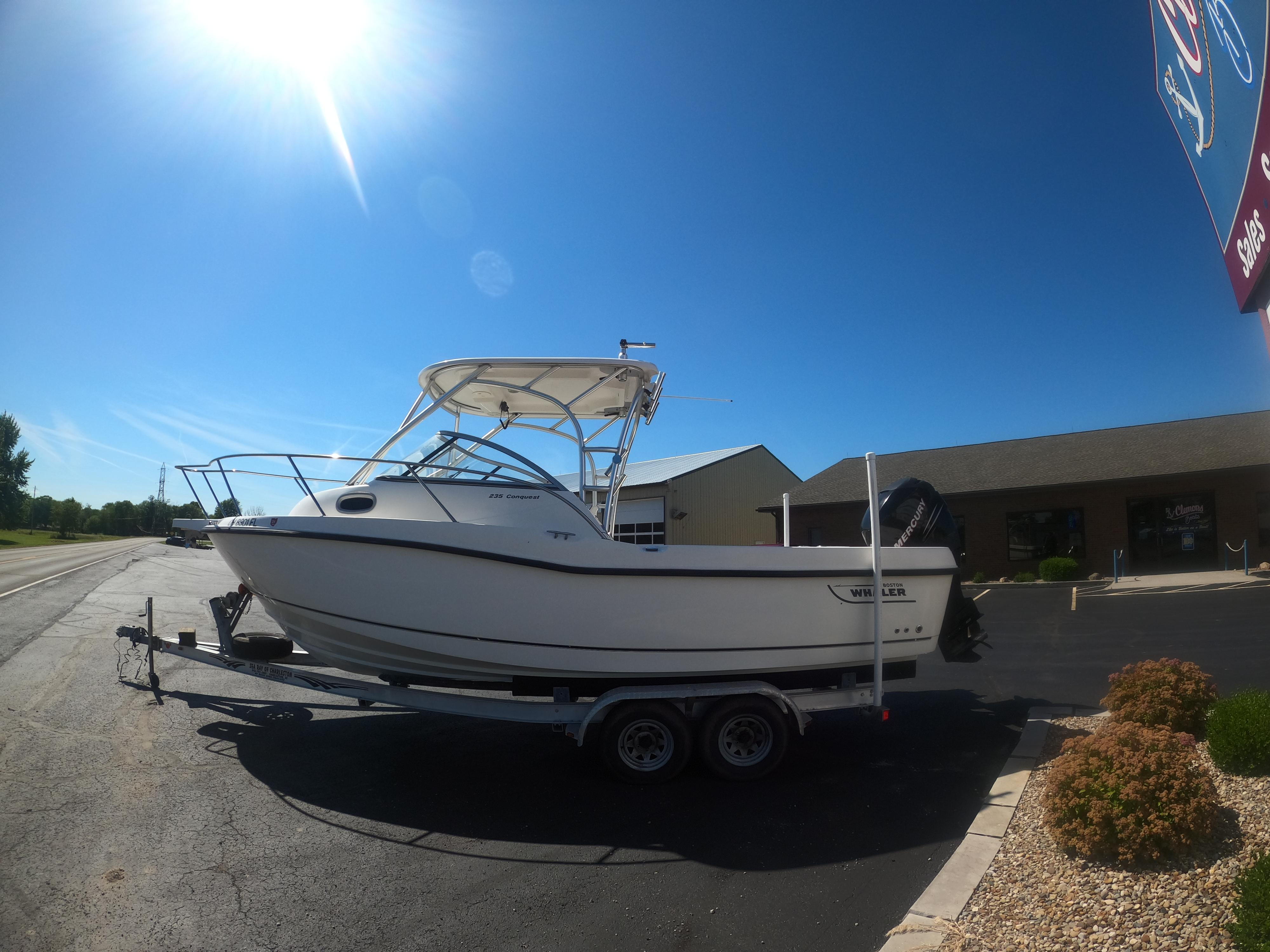 Image of 2006 Boston Whaler 235 Conquest