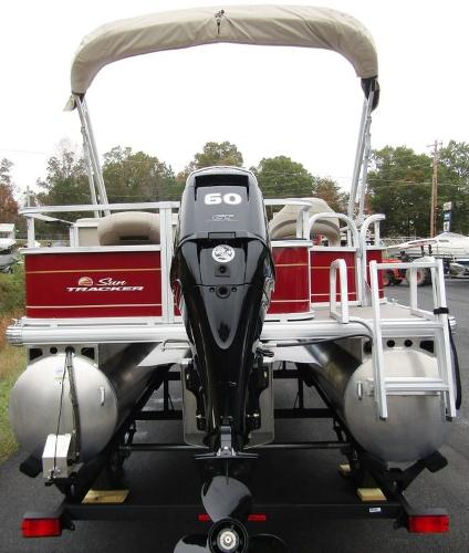 2021 Sun Tracker boat for sale, model of the boat is BASS BUGGY® 18 DLX & Image # 8 of 14