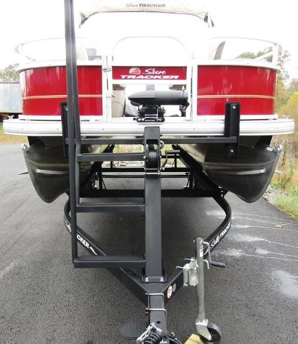 2021 Sun Tracker boat for sale, model of the boat is BASS BUGGY® 18 DLX & Image # 11 of 14