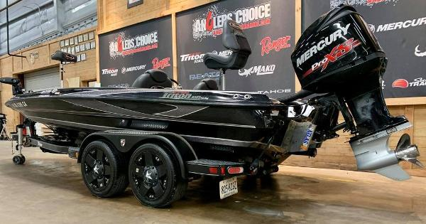 2017 Triton boat for sale, model of the boat is 20 TRX & Image # 3 of 17