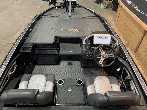 2017 Triton boat for sale, model of the boat is 20 TRX & Image # 6 of 17