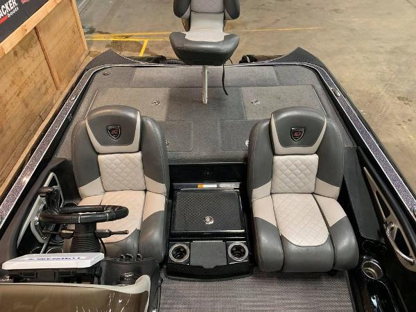 2017 Triton boat for sale, model of the boat is 20 TRX & Image # 13 of 17