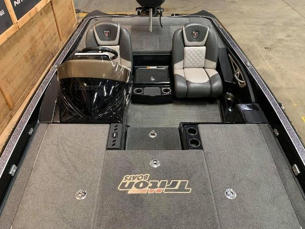 2017 Triton boat for sale, model of the boat is 20 TRX & Image # 15 of 17