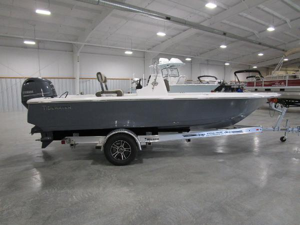 2021 Tidewater boat for sale, model of the boat is 1910 Bay Max & Image # 17 of 31
