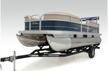 2021 Sun Tracker boat for sale, model of the boat is Party Barge 18 w/60ELPT 4S CT & Image # 29 of 50