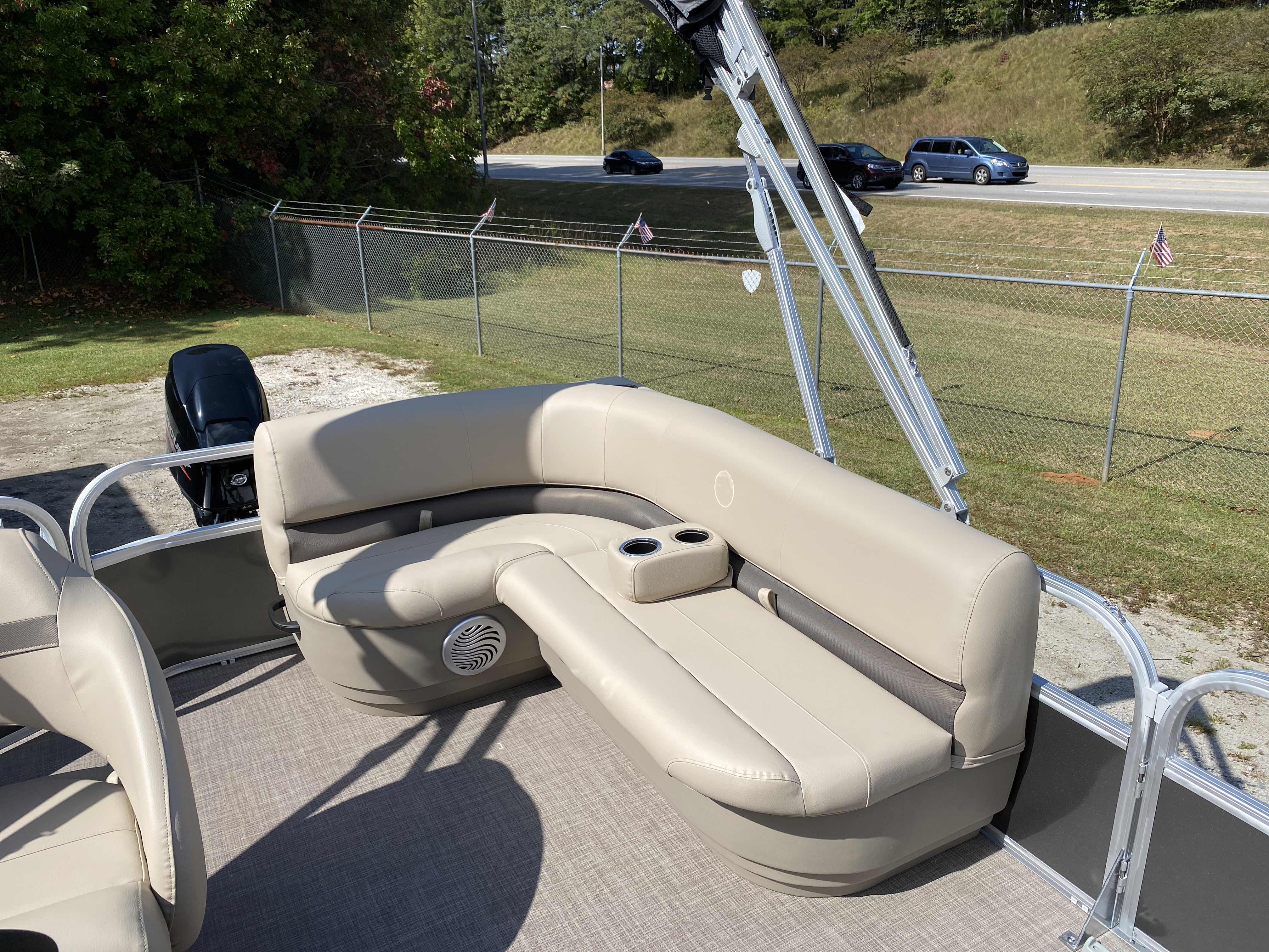 2021 Sun Tracker boat for sale, model of the boat is Party Barge 18 w/60ELPT 4S CT & Image # 10 of 50