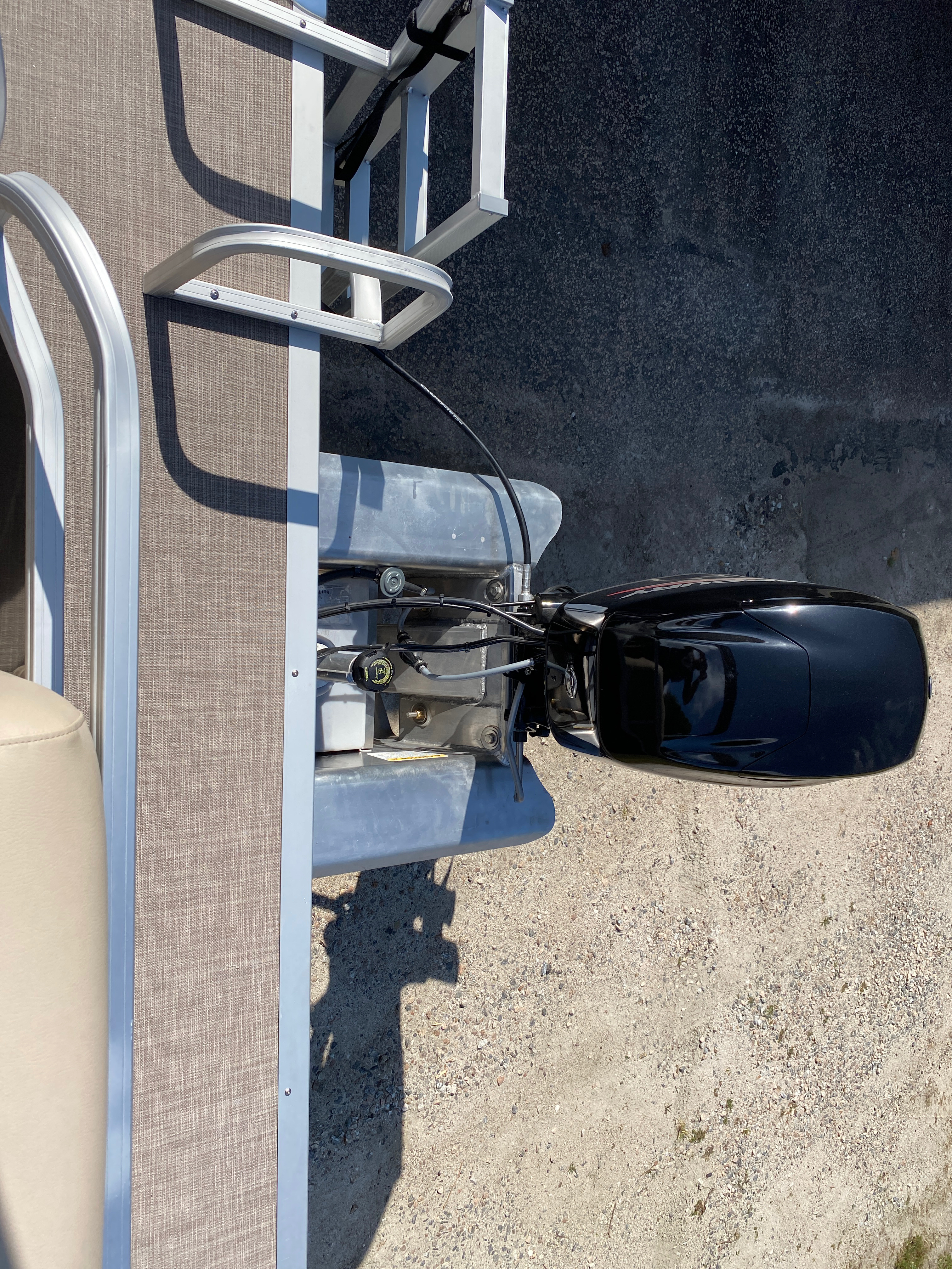2021 Sun Tracker boat for sale, model of the boat is Party Barge 18 w/60ELPT 4S CT & Image # 40 of 50