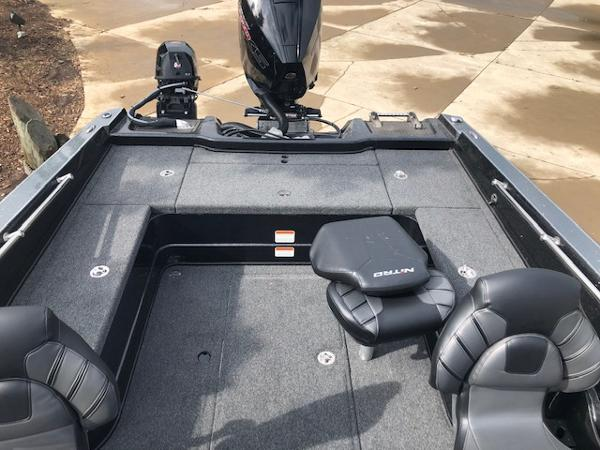 2020 Nitro boat for sale, model of the boat is ZV20 Pro & Image # 8 of 25
