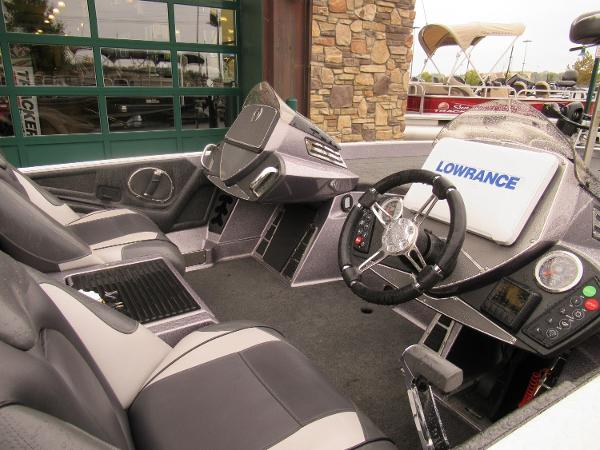 2018 Ranger Boats boat for sale, model of the boat is Z520C & Image # 3 of 6