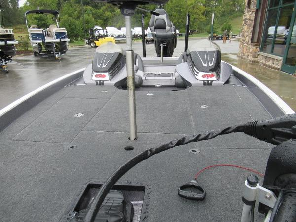 2018 Ranger Boats boat for sale, model of the boat is Z520C & Image # 5 of 6