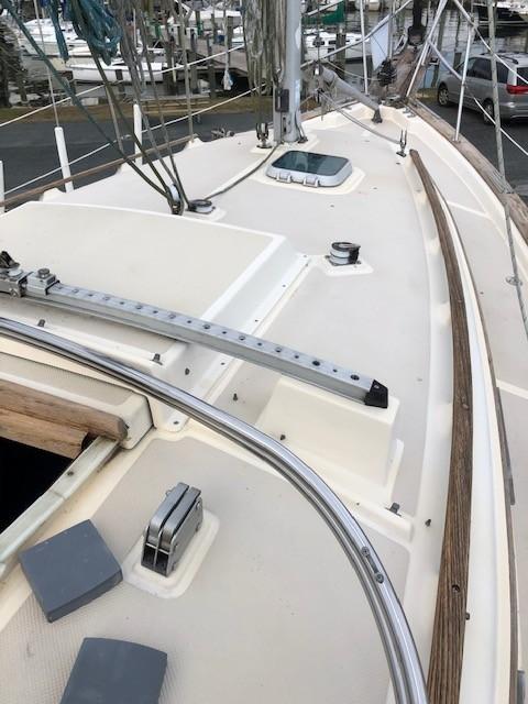 Deck Forward of Companionway