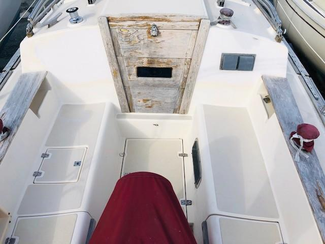 Large and Comfortable Cockpit