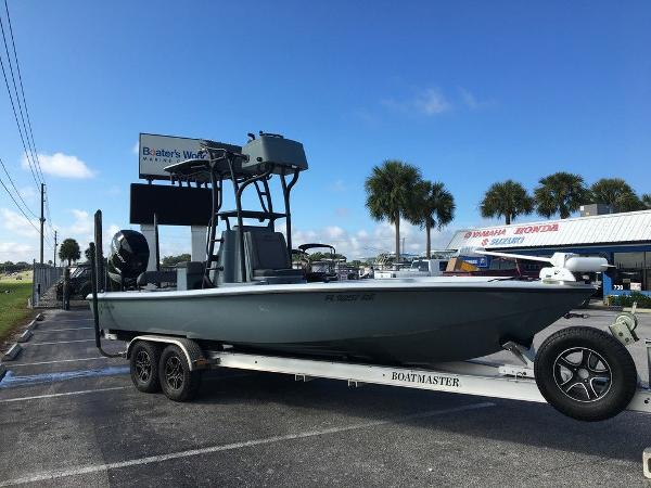 2017 Yellowfin boat for sale, model of the boat is 24 Bay Carbon Elite & Image # 1 of 12