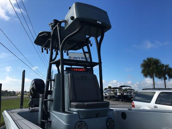 2017 Yellowfin boat for sale, model of the boat is 24 Bay Carbon Elite & Image # 2 of 12