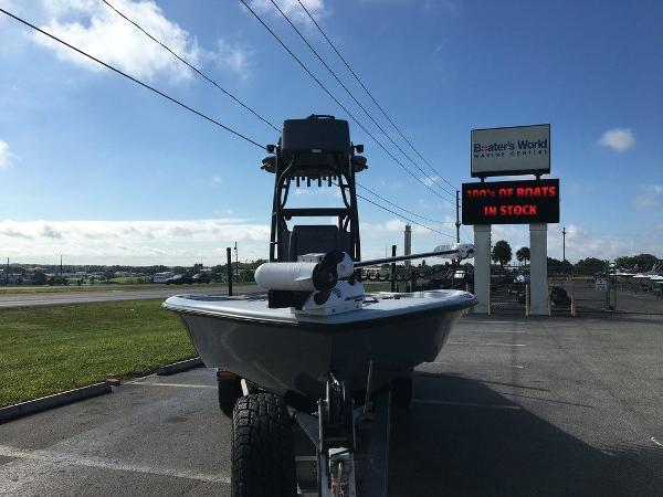 2017 Yellowfin boat for sale, model of the boat is 24 Bay Carbon Elite & Image # 3 of 12