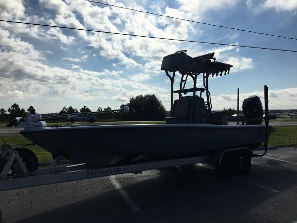 2017 Yellowfin boat for sale, model of the boat is 24 Bay Carbon Elite & Image # 4 of 12