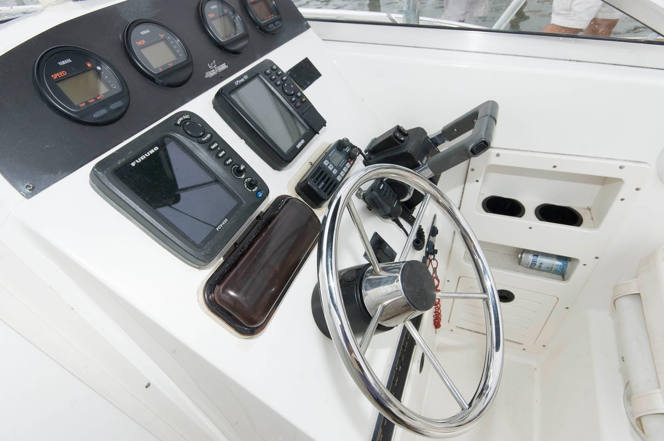 M 5479 WT Knot 10 Yacht Sales