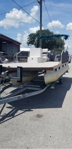 1989 Sun Tracker boat for sale, model of the boat is FB20 & Image # 4 of 8
