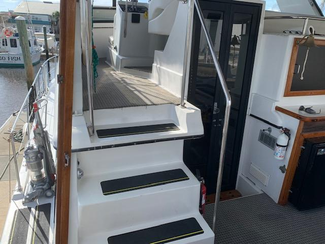 F 6265 BB Knot 10 Yacht Sales