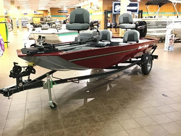 2021 Tracker Boats boat for sale, model of the boat is Bass Tracker Classic XL & Image # 1 of 53