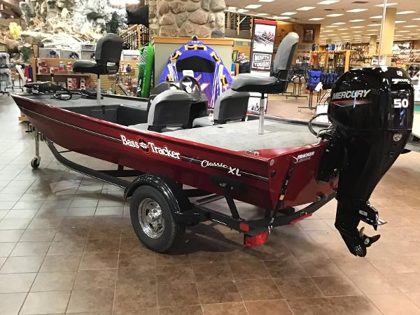 2021 Tracker Boats boat for sale, model of the boat is Bass Tracker Classic XL & Image # 2 of 53