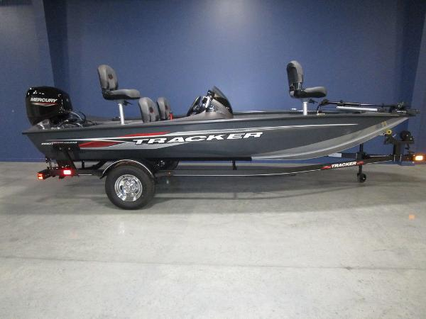 2022 Tracker Boats boat for sale, model of the boat is Pro Team 175 TF® & Image # 1 of 45