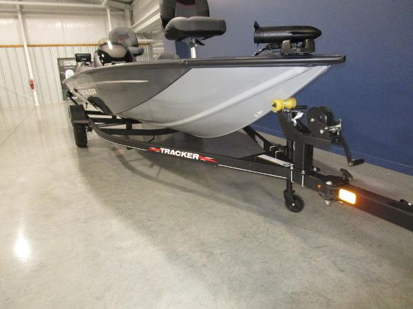 2022 Tracker Boats boat for sale, model of the boat is Pro Team 175 TF® & Image # 2 of 45