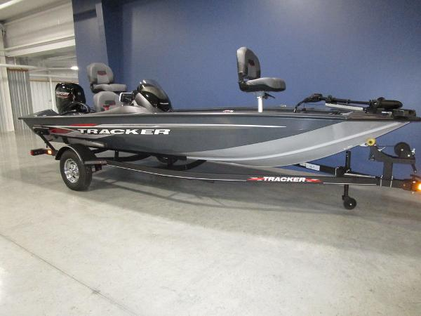 2022 Tracker Boats boat for sale, model of the boat is Pro Team 175 TF® & Image # 4 of 45