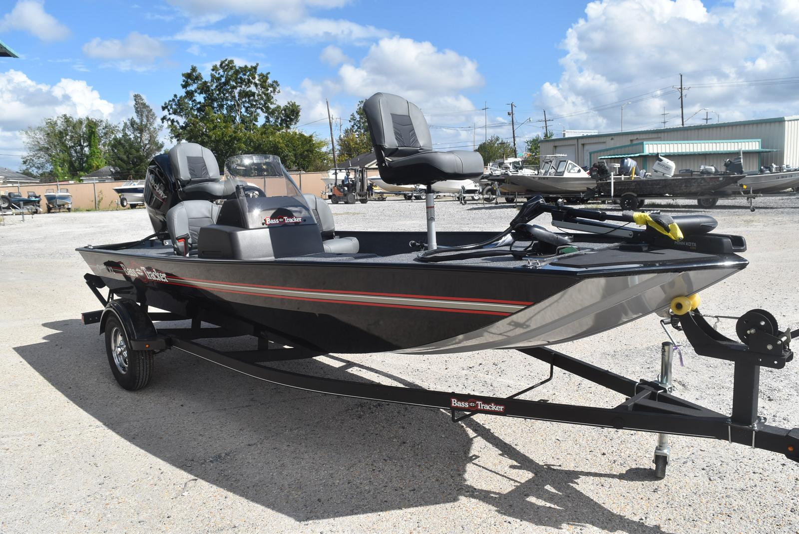 2021 Tracker Boats boat for sale, model of the boat is Tracker Classic XL, 50 ELPT & Image # 2 of 5