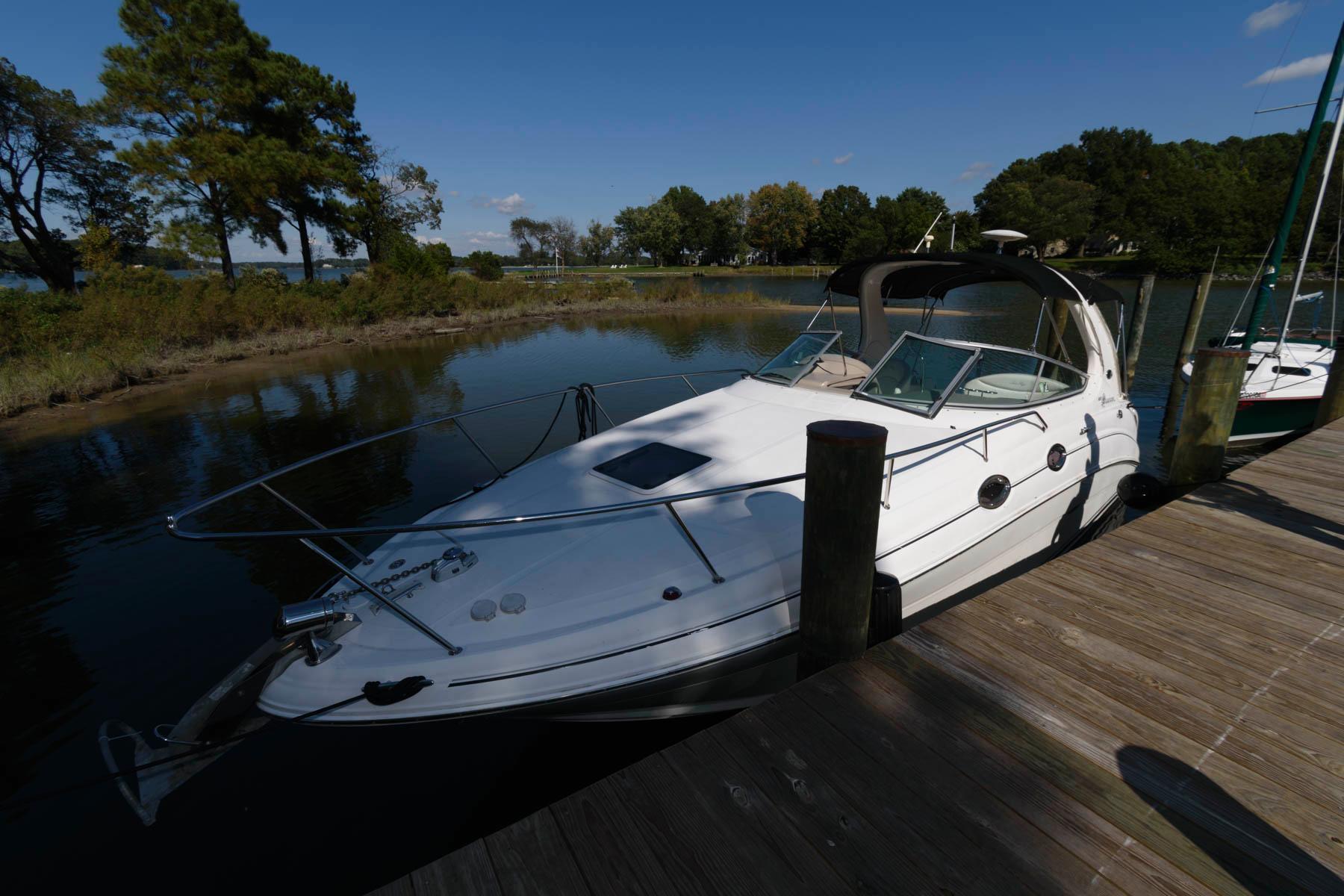 M 5746 WT Knot 10 Yacht Sales