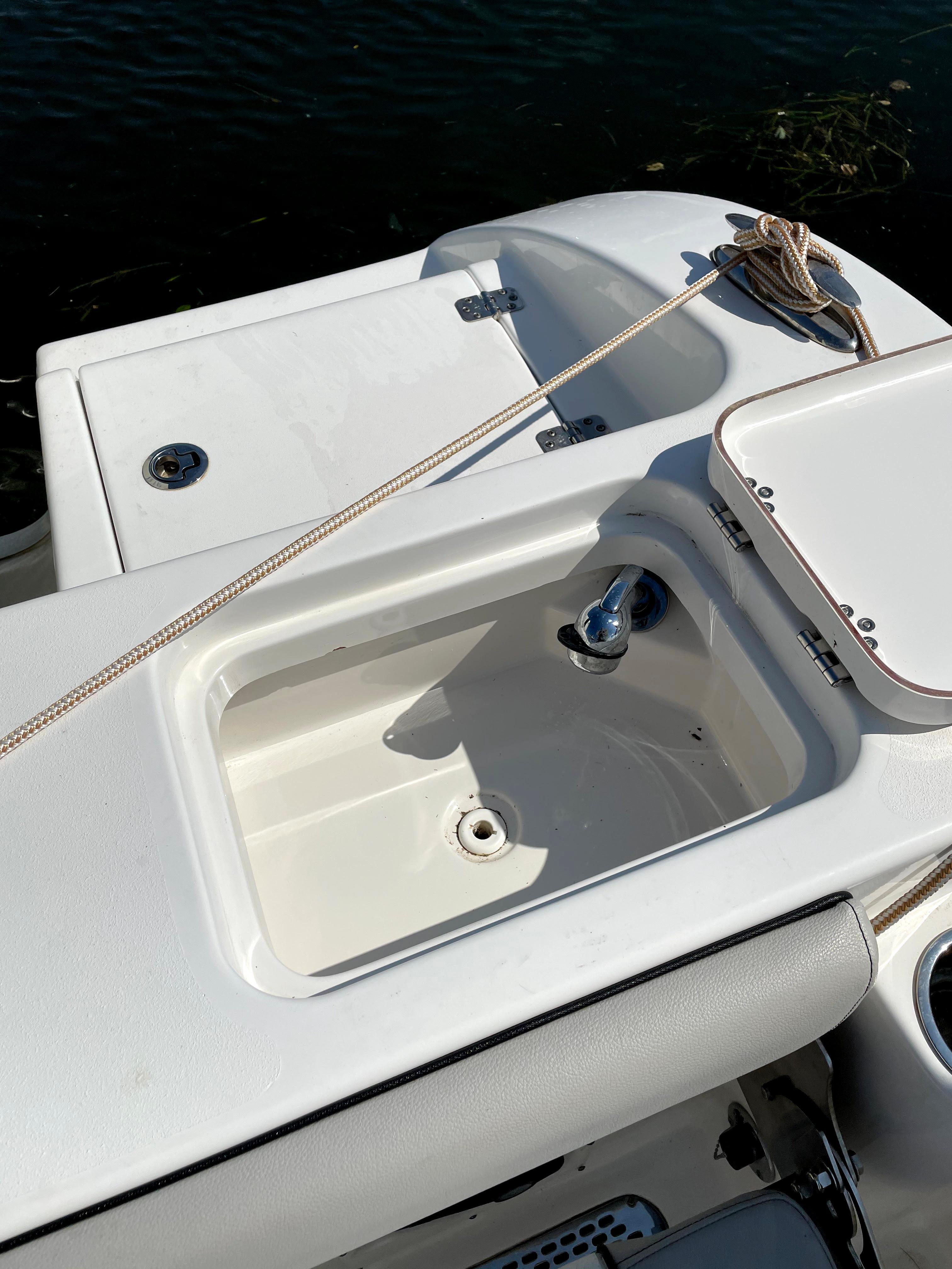 NY 6166 KM Knot 10 Yacht Sales