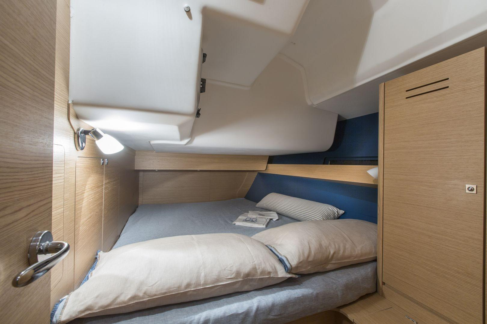 Manufacturer Provided Image: Dufour 460 Grand Large Cabin