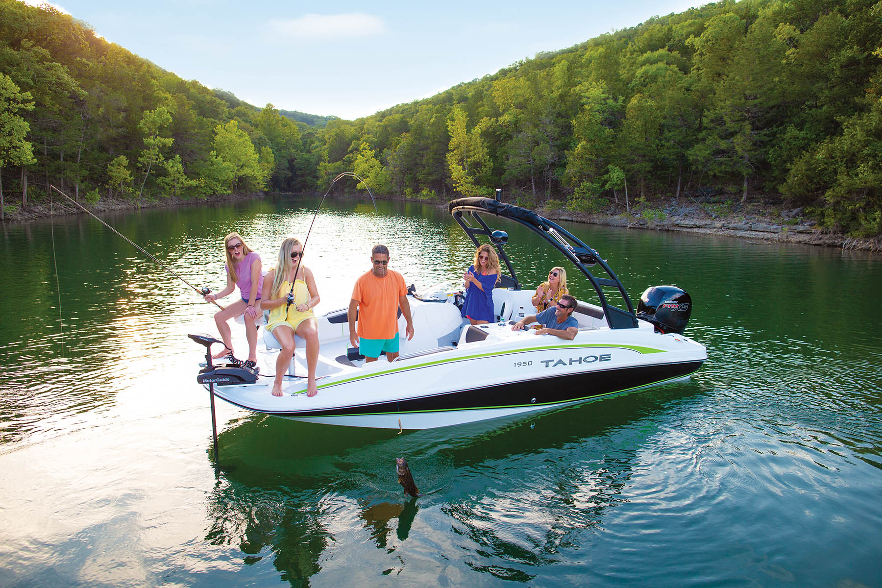 2021 Tahoe boat for sale, model of the boat is 1950 175HP PXS & Image # 7 of 11