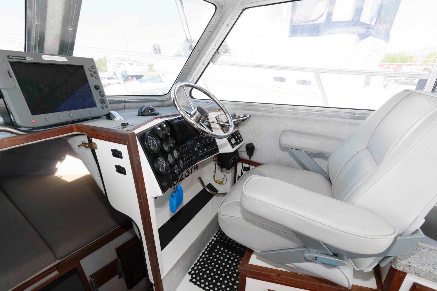 M 6171 KB Knot 10 Yacht Sales