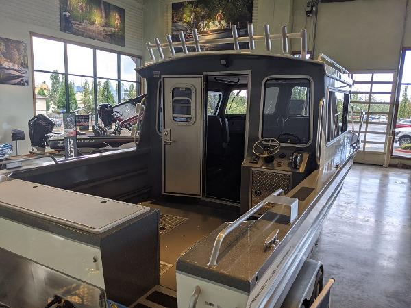 2019 Spartan boat for sale, model of the boat is 2400 Olympia & Image # 2 of 6