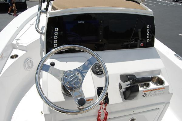 2017 Sportsman Boats boat for sale, model of the boat is Masters 227 & Image # 4 of 11