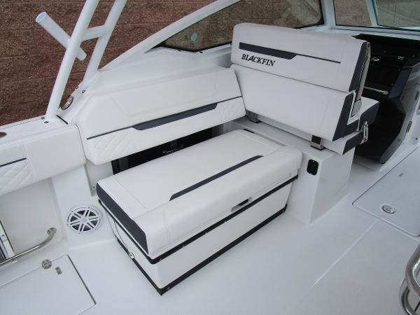 2021 Blackfin boat for sale, model of the boat is 272 DC & Image # 18 of 57